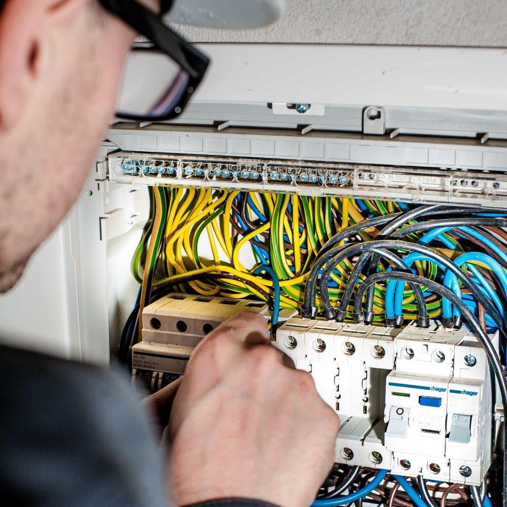 electrician b tech